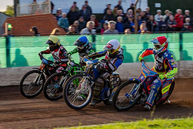 Rory Schlein (R), Michael Palm-Toft (W), Todd Kurtz (B) & Nathan Greaves (Y) in action. Pic: Colin Burnett