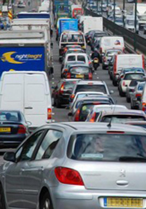 Accidents cause M5 delays
