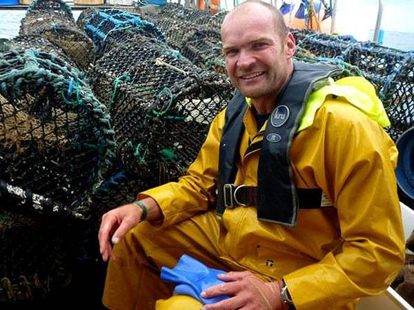 TV explorer Monty Halls to visit Falmouth Marine School