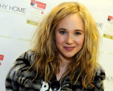 Juno Temple, the daughter of director Julien Temple.