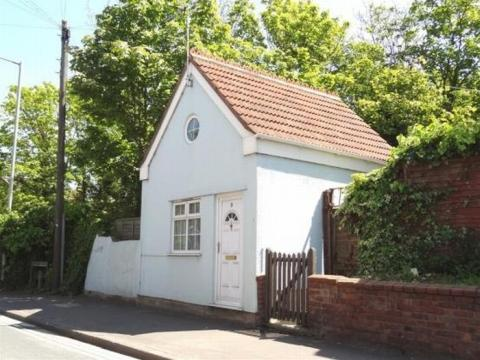 The tiny one bedroom detached house in Wembdon Road. Photo: Tamlyn & Son Estate Agents.
