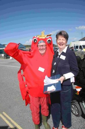Sunshine greets visitors to Porthleven Food Festival: PICTURE GALLERY