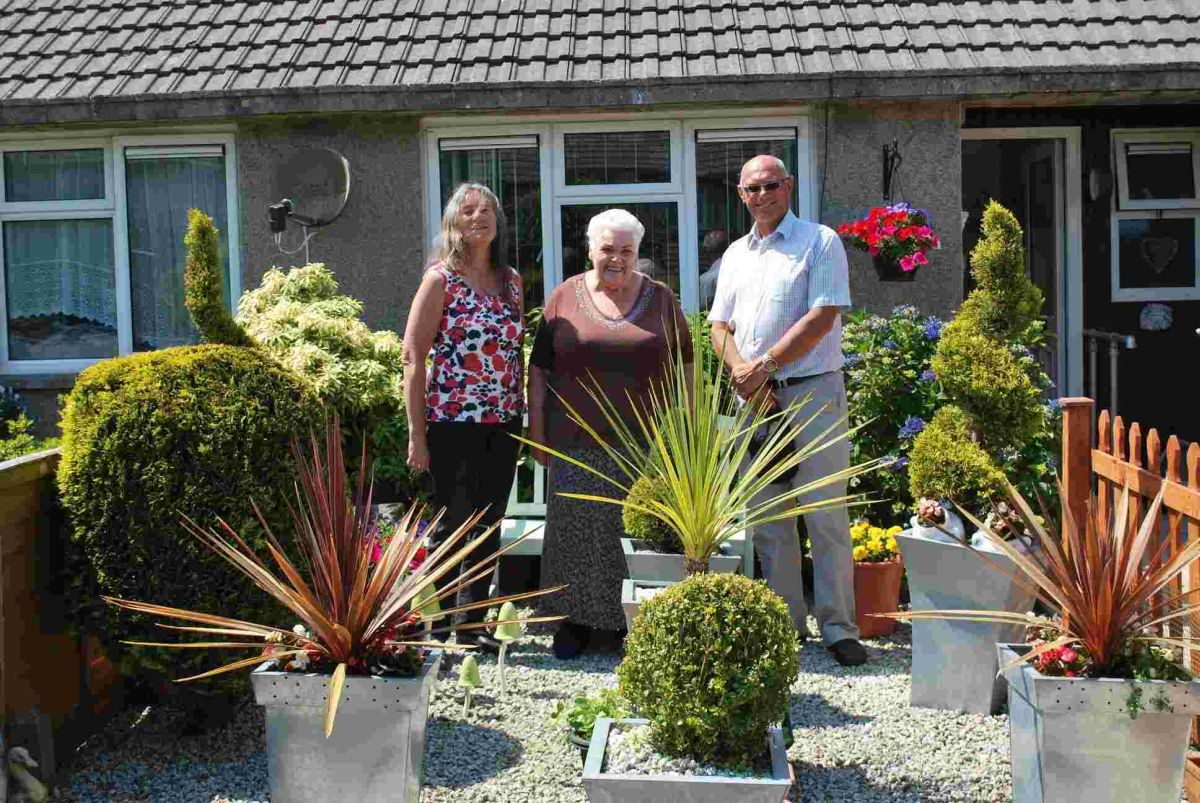'Superb' gardens praised as