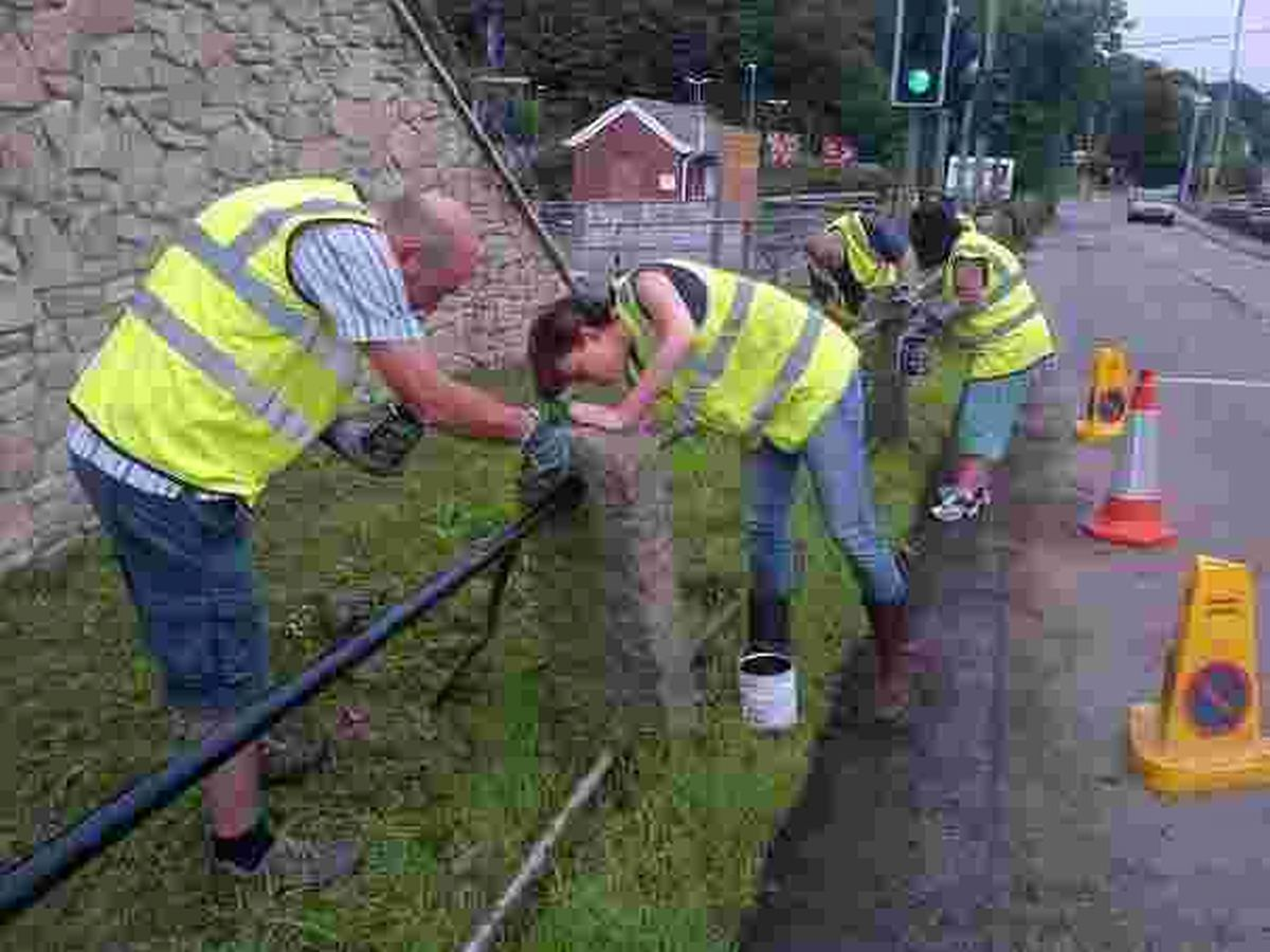 Helston tidy team paint the town perfect
