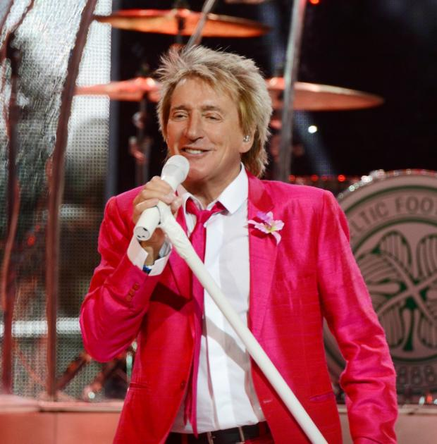 Thousands rush to buy Taunton Rod Stewart gig tickets