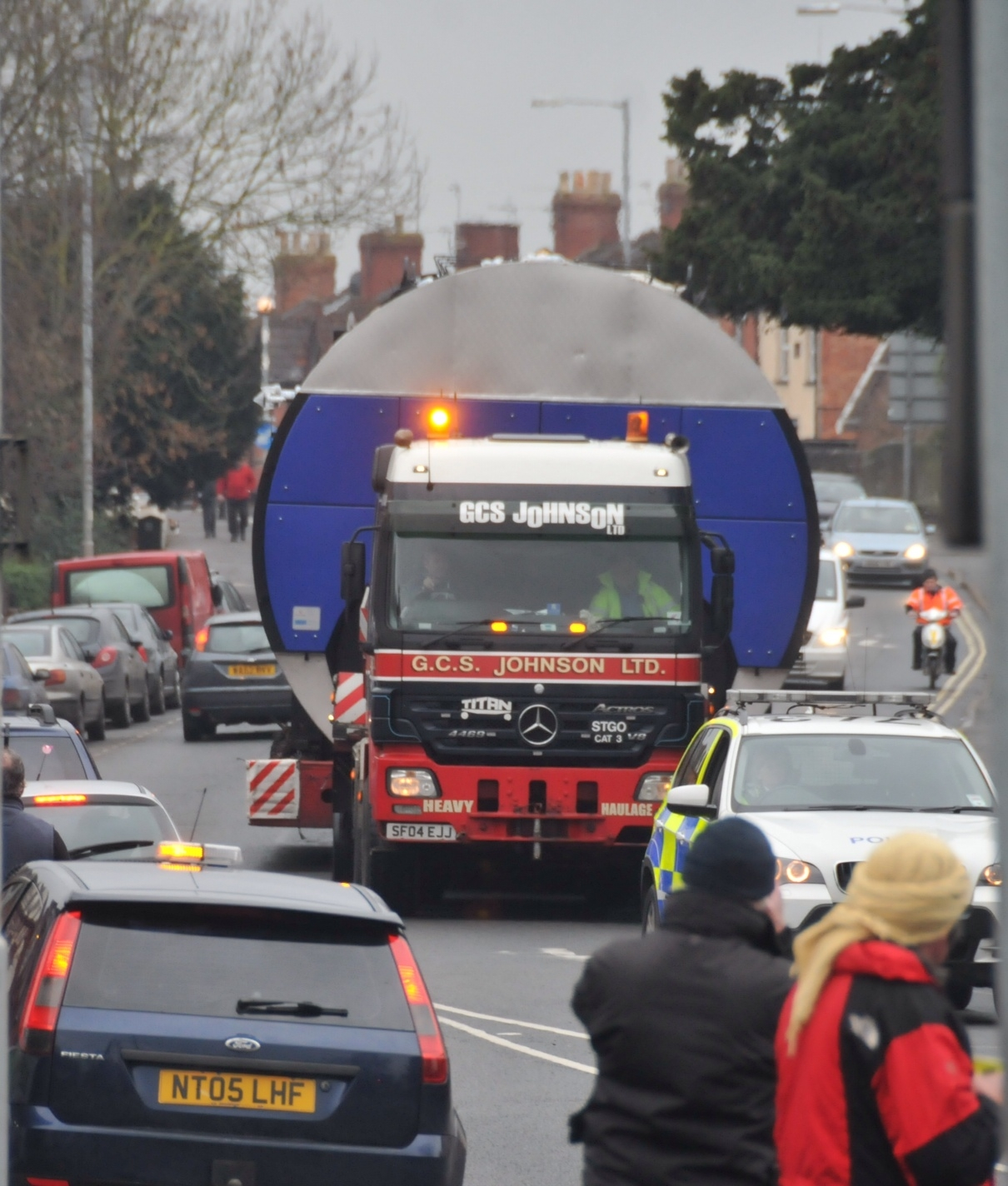 Slow going on roads as huge load transported through Bridgwater to Watchet