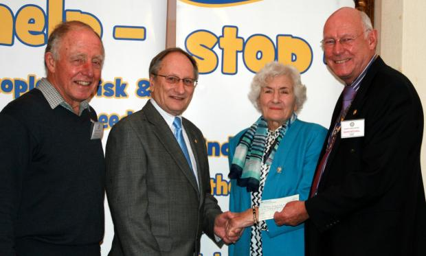 Rotary club donate £500 to scouts