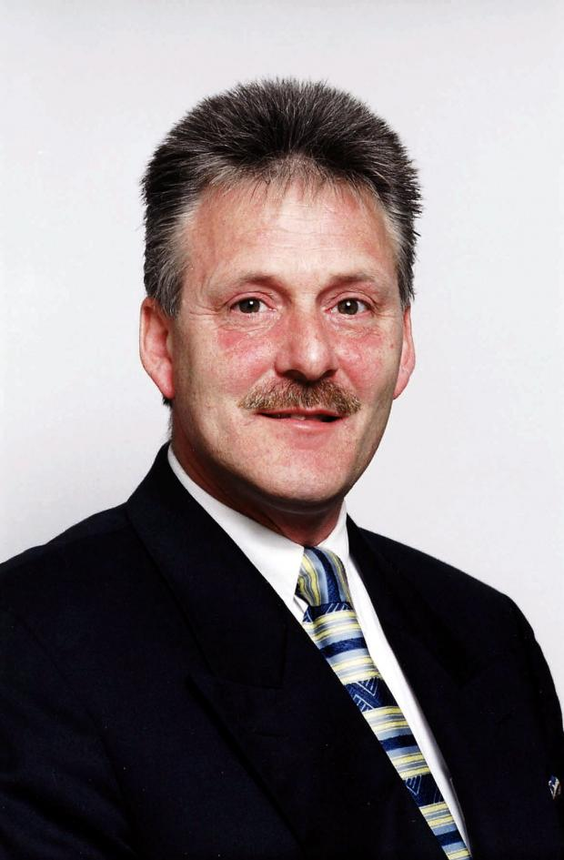 Cllr Mark Healey