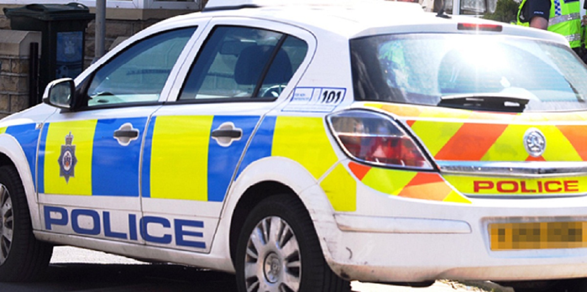 Man arrested following robbery in Tiverton
