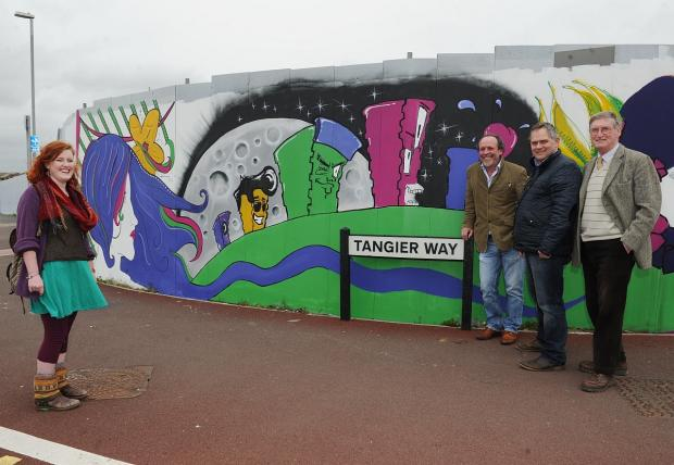 Artist Loz O'Halloran with Richard Holt, Cllr Mark Edwards and Cllr Alan Wedderkopp.