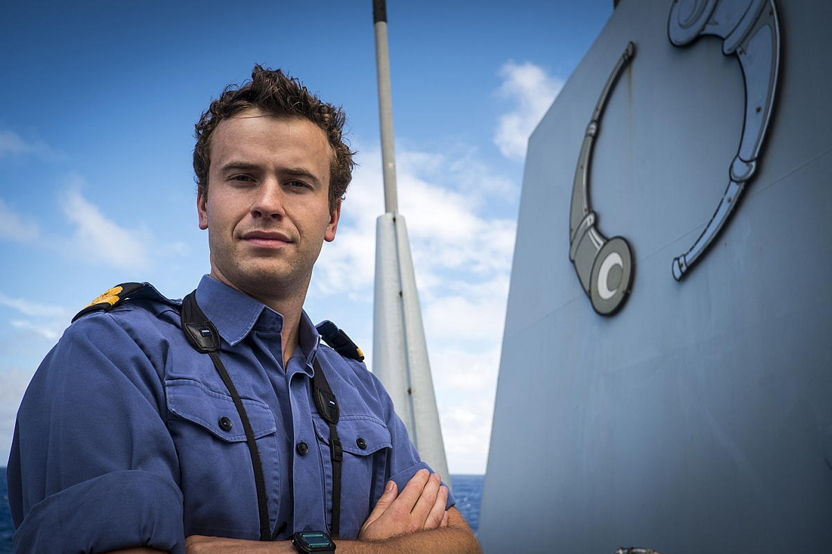 Wellington sailor joins search for missing plane