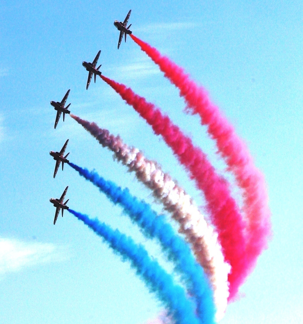 CROWD favourites the Red Arrows will make their return to the Minehead Summer Festival.