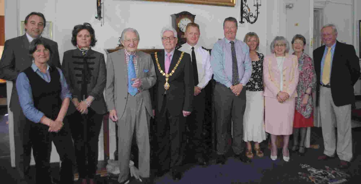 Falmouth's mayor hosts Champagne lunch for Queen's birthday