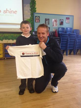 CRICKET: Somerset's Steve Kirby looks to inspire Manor Court pupils