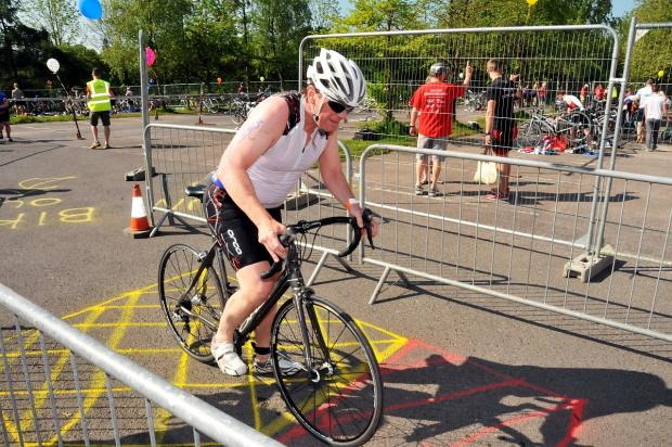 Competitors tackle Taunton Deane Triathlon in baking heat
