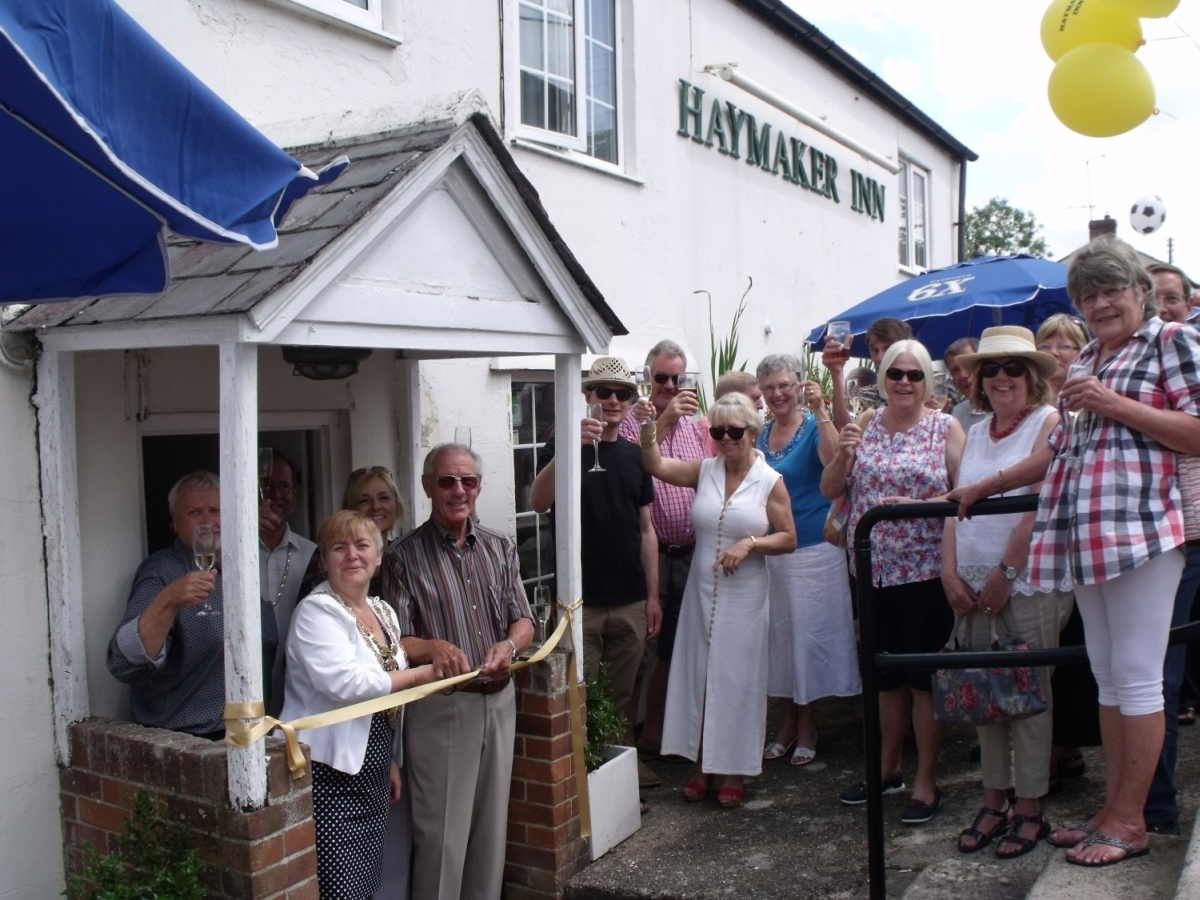 Hundreds turn out to see Haymaker Inn re-open