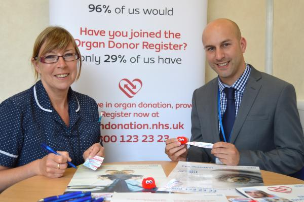This is The West Country: Trust visits Barnstaple High Street to encourage local people to join Organ Donor Regist