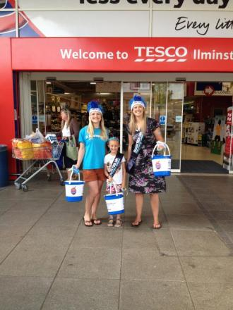 Collection at Ilminster Tesco raises £1,000 for Diabetes UK