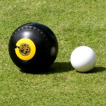 BOWLS: Burnham Men win Hugh Moore Trophy