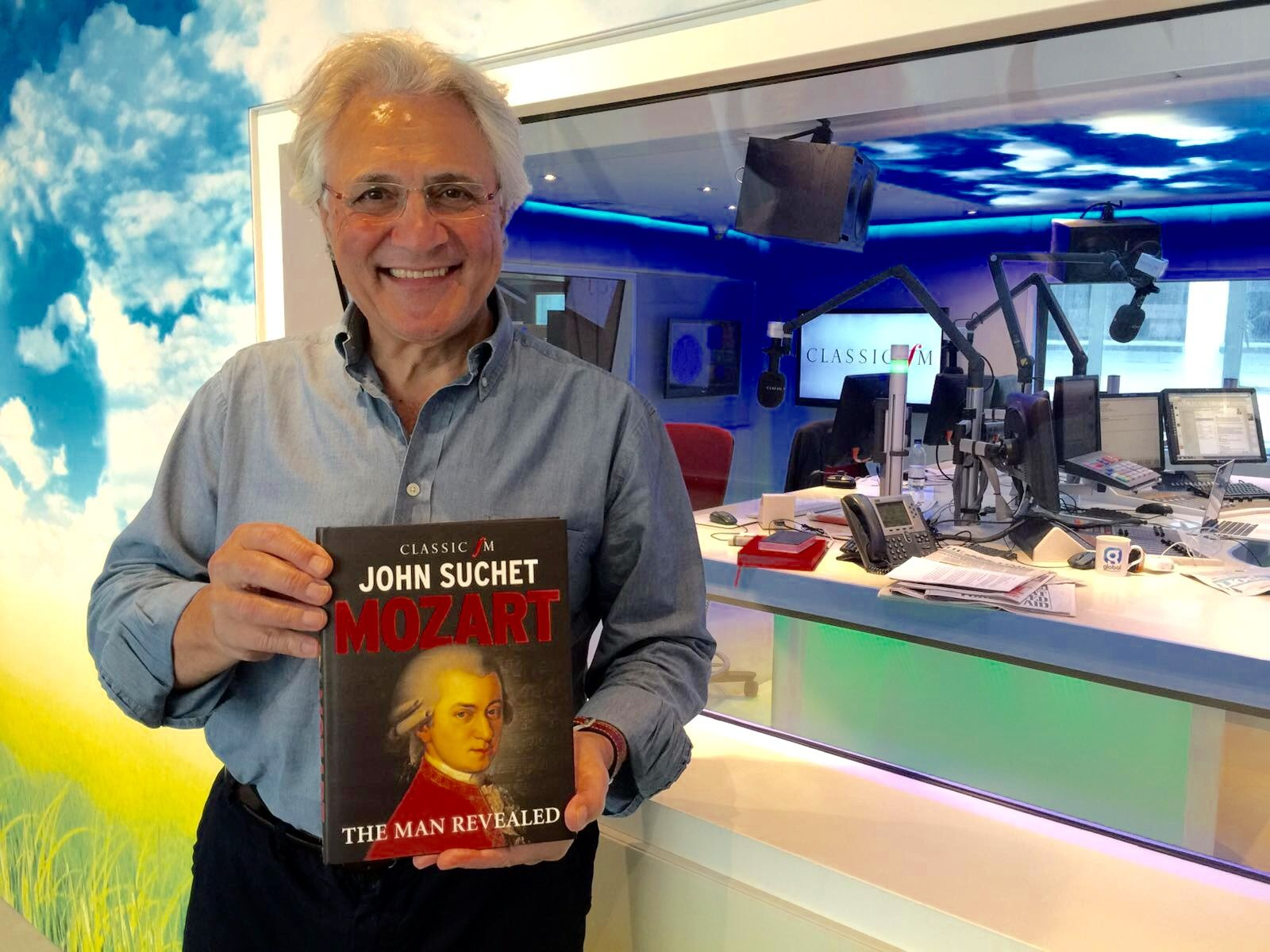 THE BIG INTERVIEW: John Suchet is coming to Queen's College in Taunton